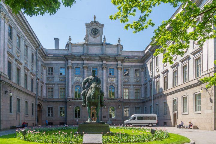 Marmoripalatsi on Venäläisen museon filiaali