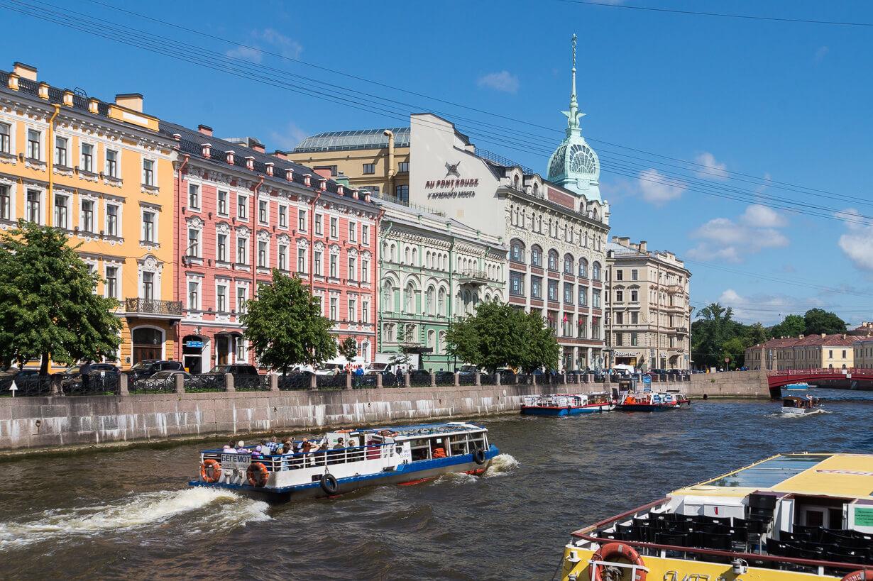 Pietarin kanava- ja jokiristeilyt, Venäjä