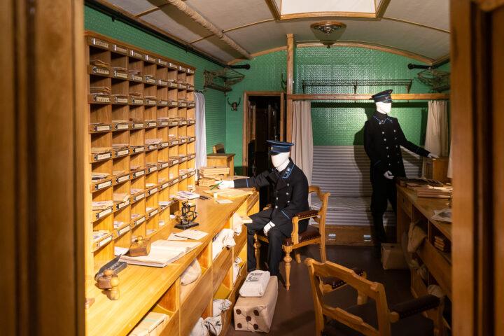 Postivaunu Pietarin rautatiemuseossa